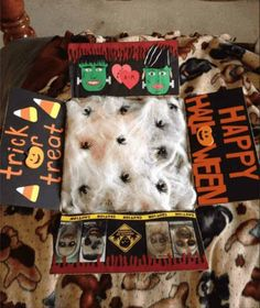19 Spooky & Fun Halloween Care Package Ideas for College Students Spooktacular ideas Halloween that are sure to dazzle any college kid! Fun, spooky, and thoughtful ways to decorate a care package for a student. Missionary Packages, Deployment Care Packages, Military Care Packages, Fall Care Package, Care Package College, College Care Packages, Cute Gifts, Diy Gifts, Care Package Decorating