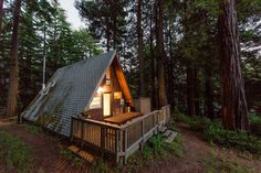 House in Cazadero, United States. Enjoy peace, quiet, and beautiful views in Cazadero.   For each rental, $50 will be donated to Raphael House, a San Francisco organization whose goal is to help at-risk families achieve stable housing and financial independence.  This little a-fra... - Get $25 credit with Airbnb if you sign up with this link http://www.airbnb.com/c/groberts22