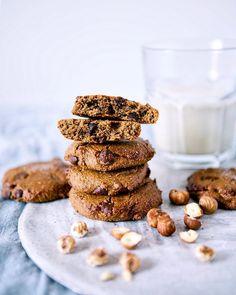 🍪🥛Quick and Easy Homemade Crispy Hazelnut and chocolate cookies🍪🥛. Paleo Vegan NO Refined sugars Dairy free Gluten free Cereals free. Hazelnut Cookies, Chocolate Chip Cookies, Paleo Vegan, Vegan Recipes, Savoury Recipes, Galletas Paleo, Tiger Nut Milk, Brownies, Smoothies