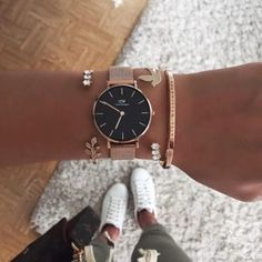 Find the official Daniel Wellington online store for you country. Daniel Wellington Gold, Daniel Wellington Watch Women, Pinterest Jewelry, Gold Chains For Men, Accesorios Casual, Stylish Watches, Cheap Watches, Fashion Watches, Women's Accessories
