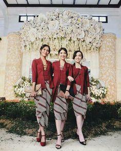 Model Kebaya Modern, Kebaya Modern Dress, Kebaya Dress, Batik Kebaya, Batik Dress, Modest Fashion Hijab, Stylish Hijab, Women's Fashion Dresses, Traditional Dresses Designs