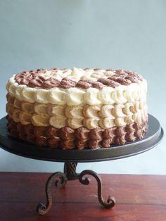 Ombre Cake, Tiramisu Cake, Birthday Fun, Beautiful Cakes, Cake Decorating, Sweet Treats, Food And Drink, Favorite Recipes, Chocolate