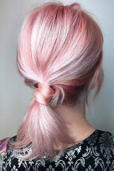 If you are looking for some easy hairdos for medium hair, you are in the right place. This article is filled with lots of inspiring ideas that will show you how you can style your medium hair without spending a lot of time in the mornings. Check them out and let's save some time together! #hairstyles #easyhairstyles #mediumhairstyles