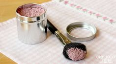 Make Your Own All Natural Homemade Blusher/Bronzer For Pennies!