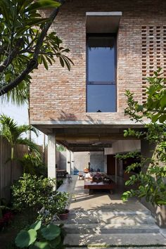 Tropical House by MM ++ Architects …