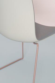 Catifa 45 Duochrome / foto: Dominik Tarabanski / Art Direction: lievore altherr molina