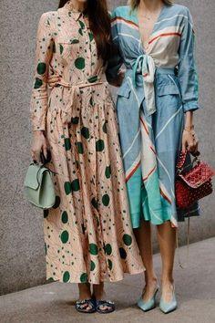 pretty midi dresses with sash - Look - Fashion Fast Fashion, Look Fashion, Trendy Fashion, Spring Summer Fashion, Fashion Show, Fashion Outfits, Fashion Trends, Fashion Clothes, Fashion Vintage