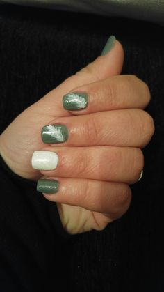 #nails #design #art #simple #winter #fall #feathers #glitter #white #grey #gorgeous
