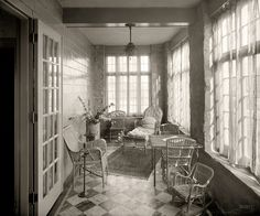 Shorpy Historical Photo Archive :: Sun Porch: 1920