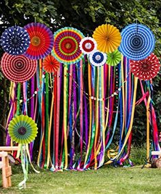 Paper Fan Decorations, Wedding Stage Decorations, Birthday Decorations, Flower Decorations, Paper Flowers Craft, Flower Crafts, Paper Crafts, Pista Shell Crafts, Festival Themed Party