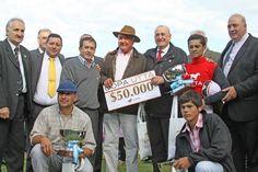 La entrega de premios en la Copa UTTA  - Tandil 2012.