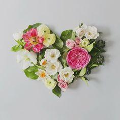 Floral arrangement by Sweet Woodruff.