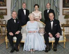 Queen Elizabeth II breaks record as longest-serving monarch, surpassing Queen Victoria | Royal | News | Express.co.uk