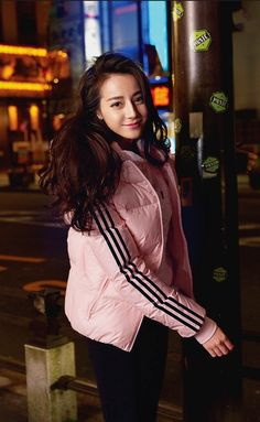 Beautiful Asian Women, Beautiful Person, Perfect Model, Adidas Neo, Poker Online, Girl Photography Poses, Chinese Actress, Attractive People, Ulzzang Girl