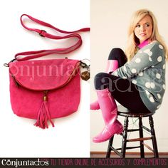 Aprovecha las #rebajas y no te quedes sin este precioso #bolso de #ante de color #fucsia. Monísimo, ¿verdad? ★ ¡#REBAJAS! en http://www.conjuntados.com/es/bolsos/bolsos-bandolera/bolso-bandolera-de-ante-fucsia-con-borla.html ★ #novedades #handbag #bandolera #bolsobandolera #purse #crossbodybag #leather #pink #accesorios #complementos #sales #discounts #ofertas #soldes #fashion #moda #estilo #style #GustosParaTodas #ParaTodosLosGustos