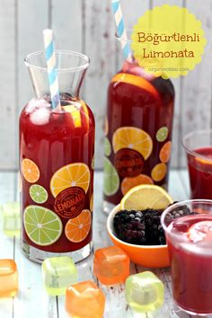 Böğürtlenli - Food and Drink Mango Pineapple Smoothie, Dragon Fruit Smoothie, Berry Smoothie Recipe, Strawberry Banana Smoothie, Fruit Smoothie Recipes, Fruit Drinks, Non Alcoholic Drinks, Album Design, Oats And Honey
