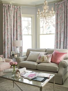 Interior Living Room Design Trends for 2019 - Interior Design Spacious Living Room, Small Living Rooms, Home And Living, Living Room Designs, Living Room Decor, Living Spaces, Laura Ashley Living Room, Laura Ashley Home, Style At Home