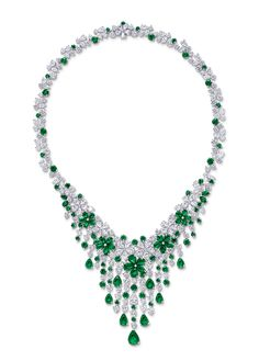 An audience with Graff CEO Laurence Graff Diamond Necklace Simple, Diamond Jewelry, Gold Jewelry, Vintage Jewelry, Fine Jewelry, Jewelry Necklaces, Diamond Necklaces, Diamond Choker, Choker Necklaces