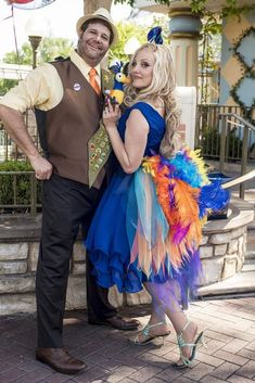 Disney Cosplay Russell and Kevin from Up Disney Dress Up, Disney Up, Disney Style, Disney Ideas, Dapper Day Disneyland, Disney Dapper Day, Up Costumes, Disney Costumes, Halloween Costumes
