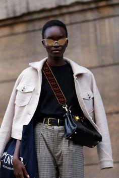 The Best Street Style at Paris Fashion Week 2019 – Daily Fashion Fashion Week Paris, Paris Street Fashion, Milan Fashion, Streetstyle Fashion Week, Tokyo Fashion, Harajuku Fashion, India Fashion, Streetwear Fashion, Winter Fashion