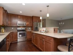 Diy split entry kitchen remodel split foyer kitchen reno for Split foyer kitchen ideas