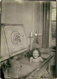 What taking a bath looked like in 1908.  #vintagephotos #history