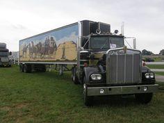 KW from Smokey and the Bandit Custom Big Rigs, Custom Trucks, Cool Trucks, Big Trucks, Truck Transport, Smokey And The Bandit, Kenworth Trucks, Classic Tv, Semi Trucks