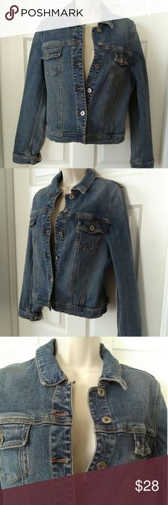Silver Jeans.      Denim Jacket Size M with stretch. In great pre-loved condition. Silver Jeans Jackets & Coats Jean Jackets