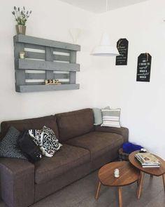 Pallet-Libreria Fai Da Te: decorare una parete con un bancale! Pallet Designs, Terrazzo, Couch, Storage, Diy, Furniture, Biscotti, Shabby Chic, Home Decor