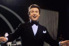 Alexander spielte in rund 50 Filmen mit, wirkte in 40 eigenen Fernsehshows und nahm 120 Platten auf.