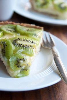 Kiwi lime pie with walnut crust