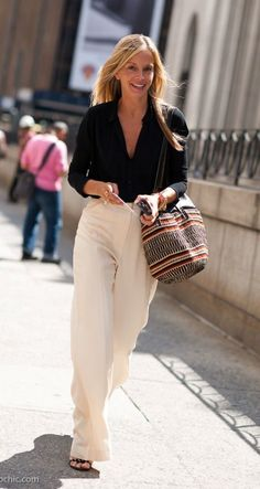 The best collection of Amazing Casual Business Outfit Ideas Black Wide Leg Trousers Outfit, Wide Leg Pants Outfit Summer, White Wide Leg Trousers, Wide Leg Linen Pants, Linen Trousers, Wide Legs, Winter Outfits For Work, Summer Outfits, Feminine Fashion