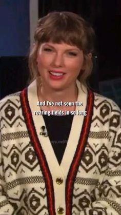 Taylor Swift Book, Taylor Swift Fan Club, Taylor Swift Funny, All About Taylor Swift, Taylor Swift Facts, Taylor Swift Videos, Taylor Swift Pictures, Taylor Alison Swift, Taylor Swift Photoshoot