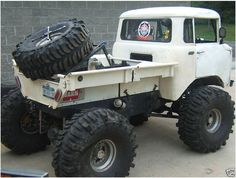 """""""Nice old Jeep FC Truck … I'm thinking we need to go back to making a modern version of this great looking beast """" Jeep Truck, Custom Trucks, Lifted Trucks, Cool Trucks, Pickup Trucks, Cool Cars, Jeep Pickup, Truck Rims, Hors Route"""
