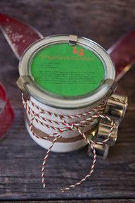 Gingerbread cookie mix in a jar and free printable label! via @foodformyfamily