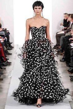 Oscar de la Renta Fall 2014 RTW - Runway Photos - Fashion Week - Runway, Fashion Shows and Collections - Vogue   DÉFILÉS PRÊT-À-PORTER AUTOMNE-HIVER 2014-2015 Dolce & Gabbana  http://www.pinterest.com/adisavoiaditrev/