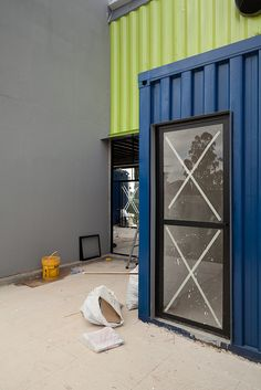 Casa Container - 07 by Plínio Dondon, via Flickr Container Buildings, Container Architecture, Eco Architecture, Container Houses, Sea Containers, Recycling Containers, Shipping Container Design, Shipping Containers, Container Van