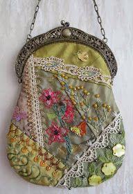 Margreet's Draadjespaleis: Crazy Quilt bag with antique frame, side A & B.