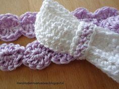 Gehaakt kraamcadeau: Haarband paars met strik - 3 tot 6 maanden