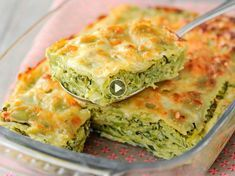 Zucchini ravioli gratin: discover the cooking recipes of Femme Actuelle Le MAG - RECETTES - Vegetarian Recipes Baked Recipes Vegetarian, Easy Vegetarian Lasagna, Vegetarian Food List, Pesco Vegetarian, Baked Pasta Recipes, Diet Food List, Cooking Recipes, Healthy Recipes, Delicious Recipes