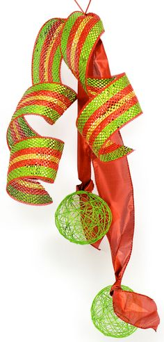 Party Ideas by Mardi Gras Outlet: DIY Christmas Bow Video: Double Bow with Deco Mesh Christmas Tree Bows, Christmas Mesh Wreaths, Christmas Diy, Christmas Decorations, Winter Wreaths, Spring Wreaths, Summer Wreath, Christmas Ornaments, Deco Mesh Bows