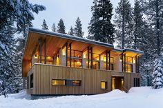 Casa moderna e da sogno costruita nei boschi n.15
