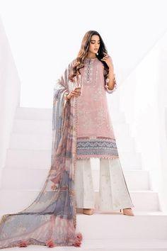 Pakistani Lawn Suits, Pakistani Dresses, Indian Dresses, Designs For Dresses, Pakistani Designers, Print Chiffon, Indian Wear, Baroque, Party Wear