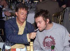 Paul McCartney y Damon Albarn.