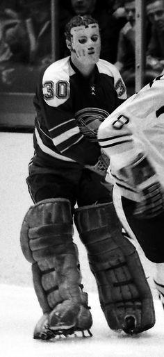 Gary Smith Hockey Gear, Ice Hockey, Gary Smith, Goalie Mask, Oakland California, Masked Man, Vancouver Canucks, Nhl, Cool Photos