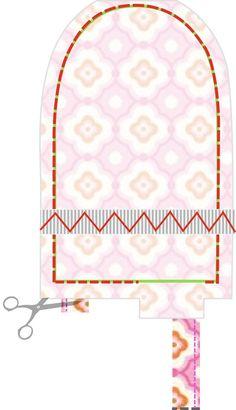Materialen: * Katoenen stof (Taza Geo Fuchsia door Dena Designs)  (16 cm bij 50 cm) ( buitenkant wanten ) * Fleece (16 cm...