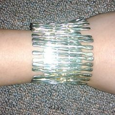 Lovely vintage looking stretchy bracelet Metal material. Jewelry Bracelets