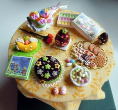 Miniature Easter table by miniacquoline on Etsy