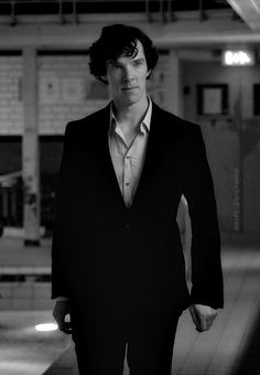 Sherlock The Great Game. - I have this obsession with the way men hold their hands when tense...