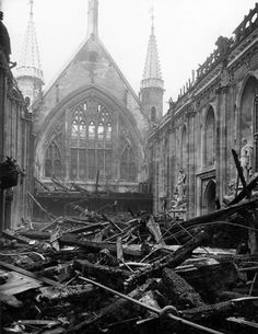 Arthur CrossFred Tibbs -- Bomb Damage at the Guildhall Great Hall: 1941 -- High quality art prints, framed prints, canvases -- Museum of London Prints